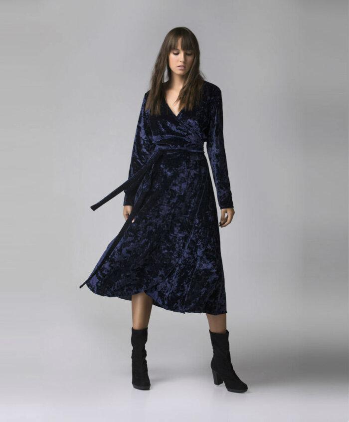 b1df148da93f Φόρεμα βελούδινο κρουαζέ