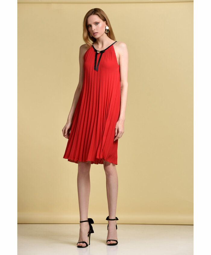Φόρεμα σε πλισέ μουσελίνα