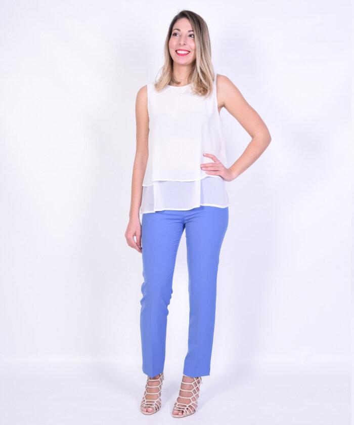 Τοπ με γαλάζιο παντελόνι