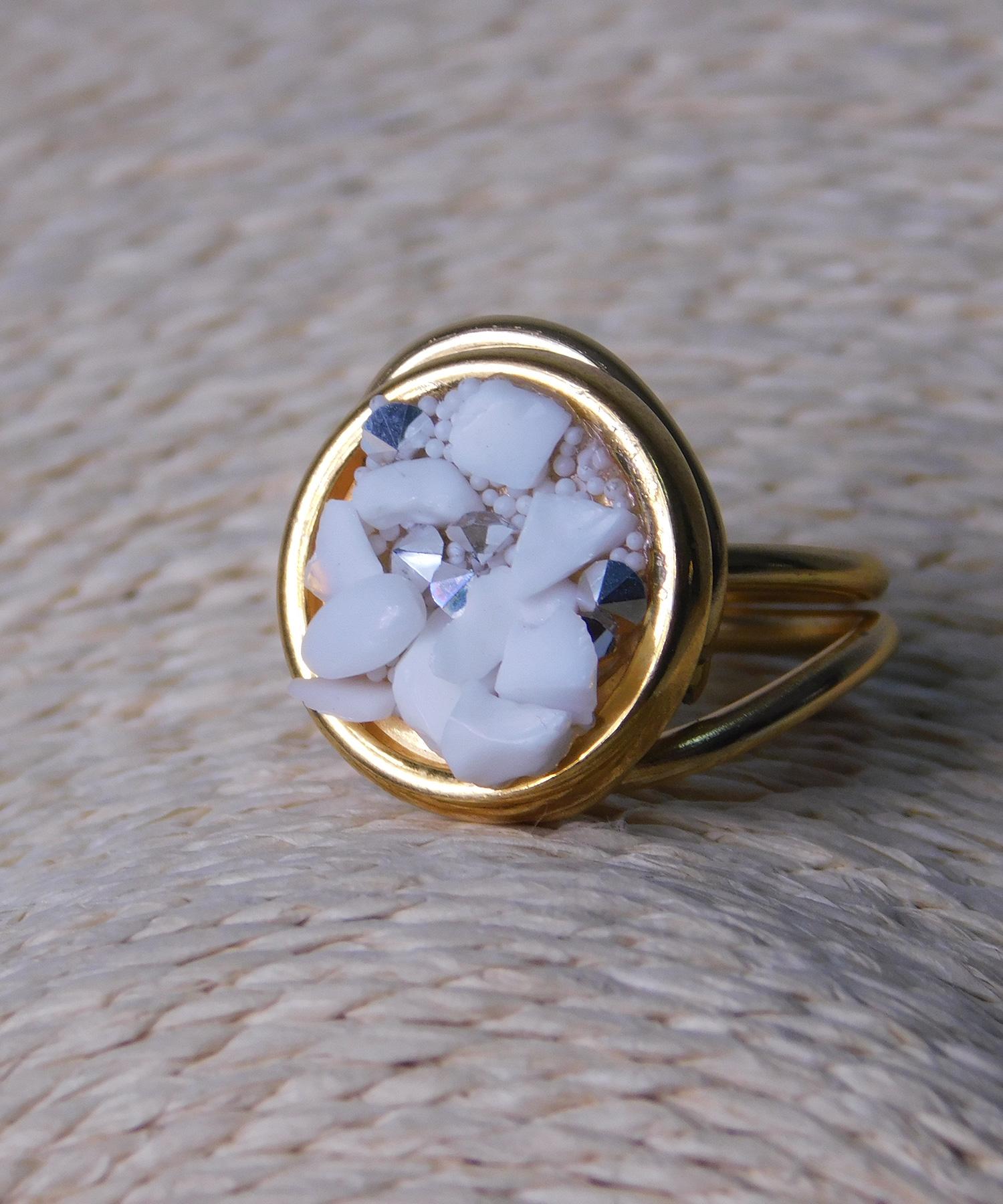 Δαχτυλίδι Στρόγγυλο με Λευκές Πέτρες