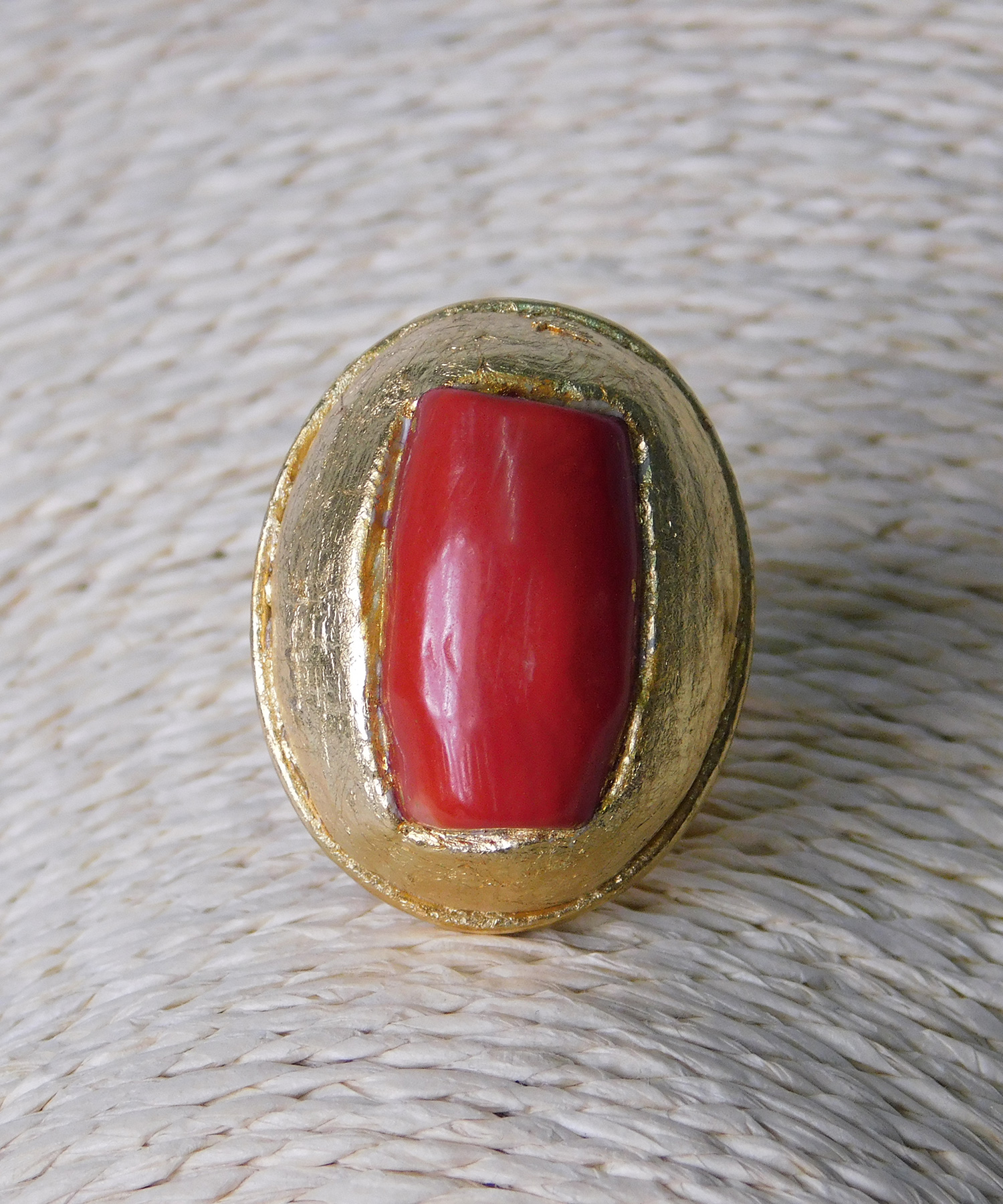 Δαχτυλίδι με Κόκκινη Χάντρα